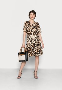 InWear - YASMEEN WRAP DRESS - Day dress - natural big - 1