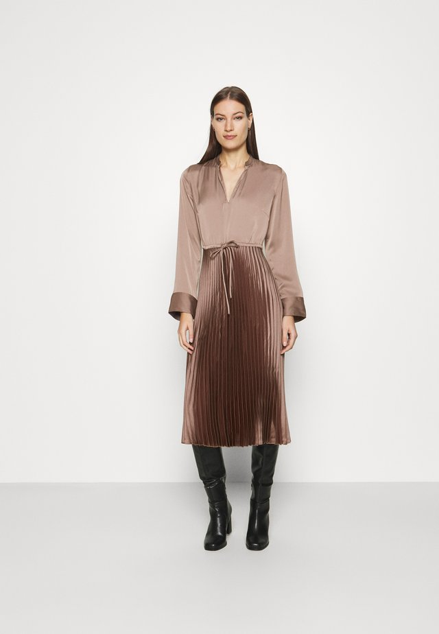 Shirt dress - mole dark