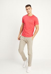 GANT - ORIGINAL - T-shirt - bas - watermelon red - 1