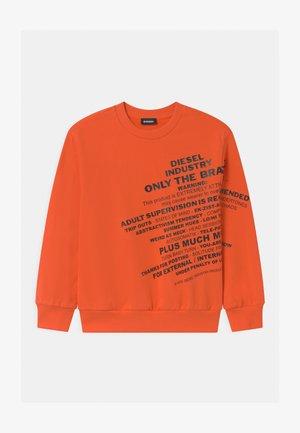 OVER UNISEX - Mikina - flame orange