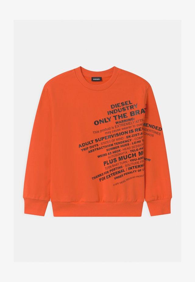 OVER UNISEX - Sweatshirt - flame orange