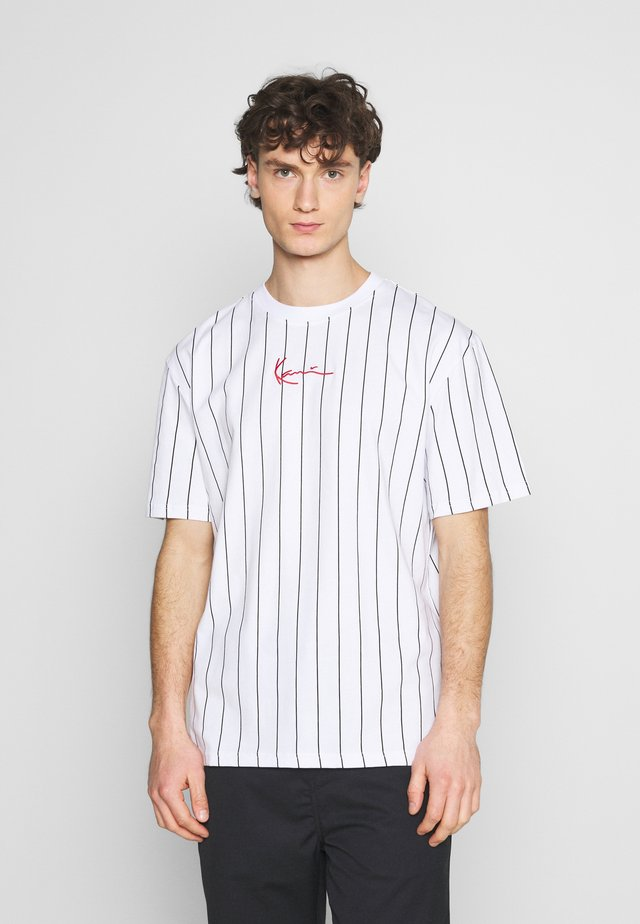 SMALL SIGNATURE PINSTRIPE TEE UNISEX - T-shirts med print - white/black