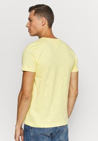 Tommy Hilfiger - SLUB TEE - Basic T-shirt - yellow - 2