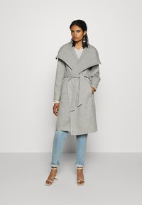 ONLY - ONLNEWPHOEBE DRAPY COAT - Zimní kabát - light grey melange - 1