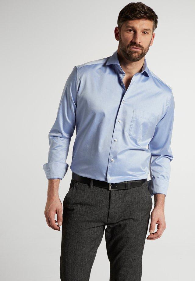 COMFORT - Business skjorter - hellblau