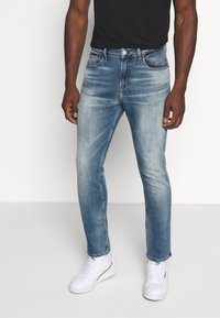 Tommy Jeans - RYAN RELAXED STRAIGHT - Jeans straight leg - portobello mid blue comfort - 0