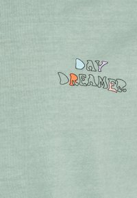 Levi's® - PRIDE VINTAGE FIT GRAPHIC TEE UNISEX - Print T-shirt - day dreamer tee blue surf - 2