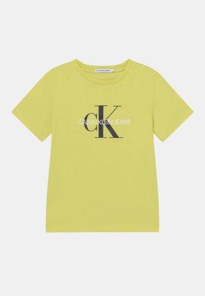 MONOGRAM LOGO UNISEX - Camiseta estampada - yellow