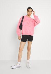 Monki - Collegepaita - pink - 1