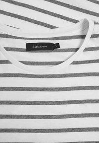 Matinique - MAJERMANE - Print T-shirt - white - 5