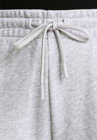 Lacoste Sport - LOESCHLISTE - WOMEN TENNIS TROUSERS - Pantalon de survêtement - silver chine - 4