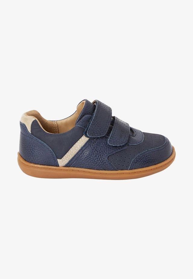 Boty se suchým zipem - dark blue