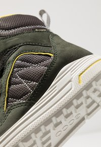 ECCO - URBAN SNOWBOARDER - Winter boots - deep forest/canary - 2