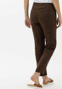 BRAX - Trousers - coffee - 2