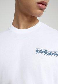 Napapijri - SOLE GRAPHIC - T-shirt print - bright white - 3