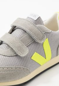 Veja - SMALL NEW ARCADE - Trainers - silver/jaune/fluo/butter - 2