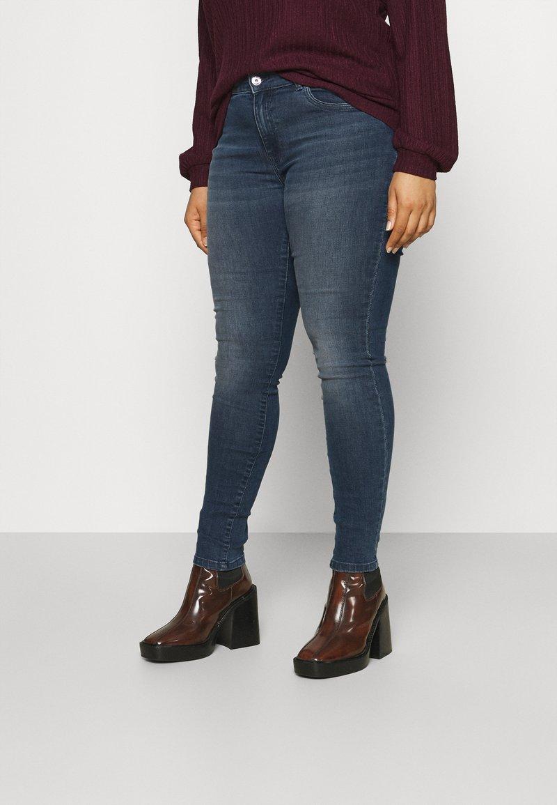 ONLY Carmakoma - CARSALLY LIFE  - Jeans Skinny Fit - blue black denim