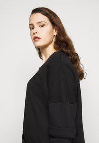 Simply Be - DRESS WITH DOUBLE LAYER SLEEVE - Day dress - black - 4
