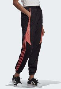 adidas Originals - Joggebukse - black - 3
