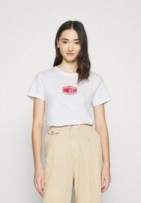 Tommy Jeans - LOGO TEE - T-shirt imprimé - white - 0