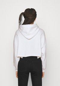 Levi's® - GRAPHIC CROP PRISM - Sweatshirt - youth new boxtab white - 2