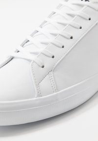 Lacoste - LEROND - Sneakers - white/black - 5