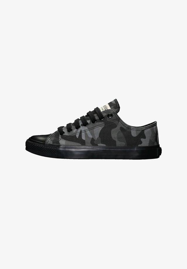 Sneakers laag - human rights black | jet black