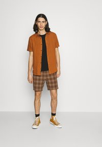 Scotch & Soda - CLASSIC SHORT - Košile - tobacco - 1