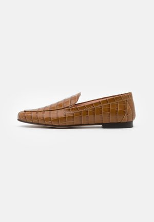 CROC EMBOSSED - Slip-ons - burnished brown