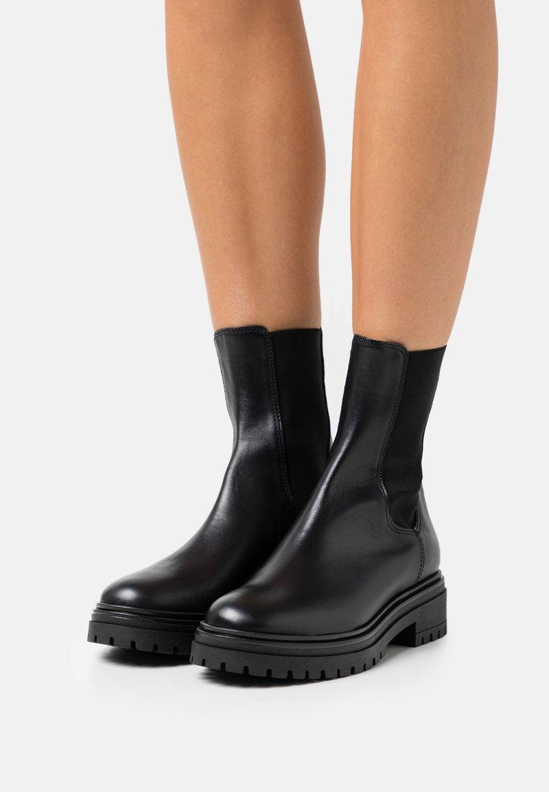 Bianca Di - Platform ankle boots - nero