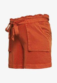 MAMALICIOUS - MLBETHUNE  - Shorts - rooibos tea - 0