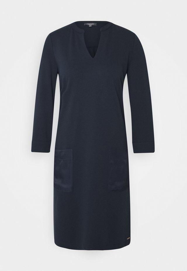 DRESS POCKETS STRAIGHT - Jerseyklänning - sky captain blue
