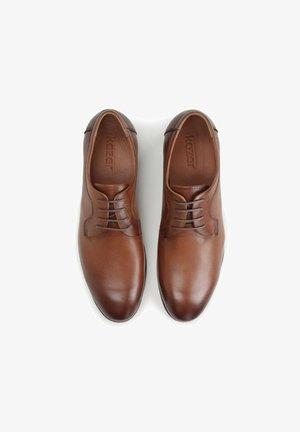 OBAN - Eleganckie buty - Brown