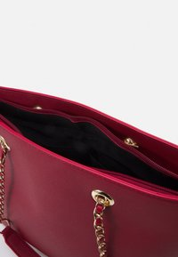 Dorothy Perkins - CHAIN HANDLE - Shopper - dark red/gold - 2