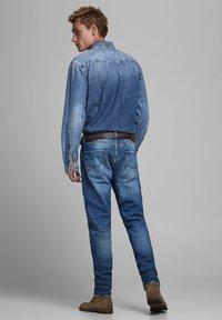 Jack & Jones - FRED ORIGINAL  - Straight leg jeans - blue denim - 2