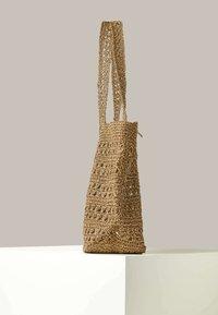 OYSHO - NATURAL  - Velká kabelka - beige - 3