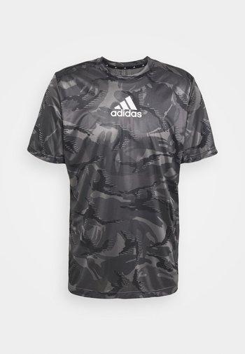CAMO  - T-shirts print - grey four