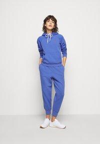 Polo Ralph Lauren - SEASONAL - Bluza z kapturem - resort blue - 1