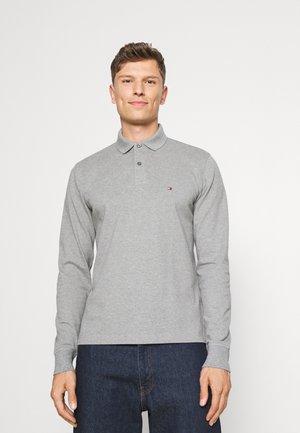 Polo - medium grey heather