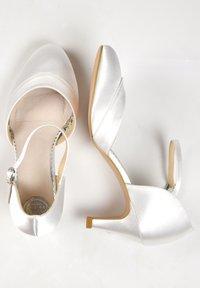 The Perfect Bridal Company - ELSA - Bridal shoes - ivory - 2