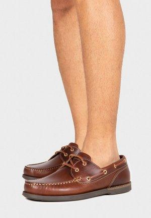 Chaussures bateau - leder