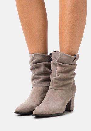 Classic ankle boots - mountana