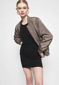 Even&Odd - 2 PACK - Mini skirt - black/khaki - 4