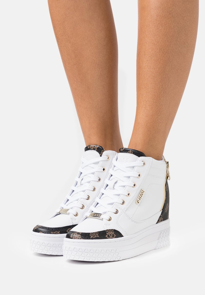 Guess - RIGGZ - High-top trainers - white/brown