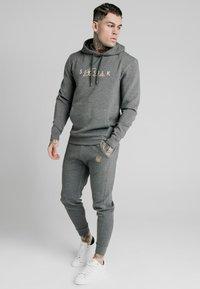 SIKSILK - SIGNATURE - Hoodie - grey - 0