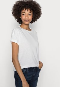 Esprit - CLOUDY - Basic T-shirt - off white - 3