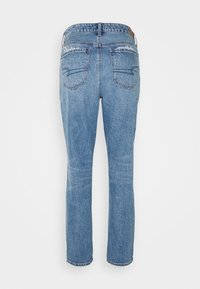 American Eagle - TOMGIRL - Relaxed fit jeans - medium destroy - 1