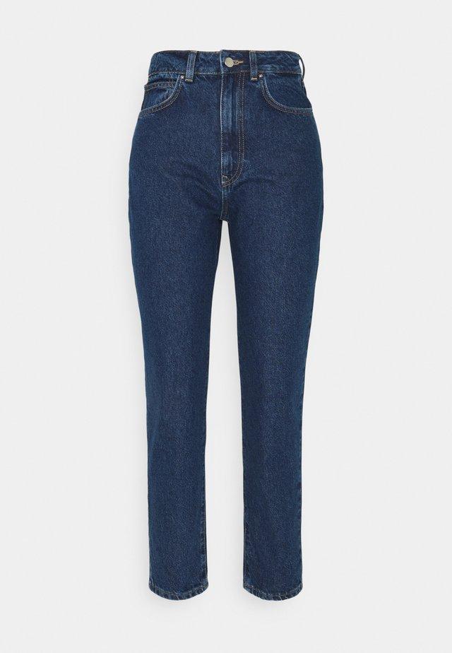 MOM FIT JEANS - Slim fit jeans - blue denim