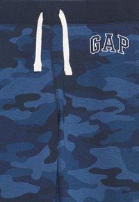 GAP - BOY HERITAGE LOGO  - Tracksuit bottoms - blue - 2