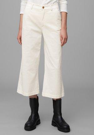 Trousers - pale beige